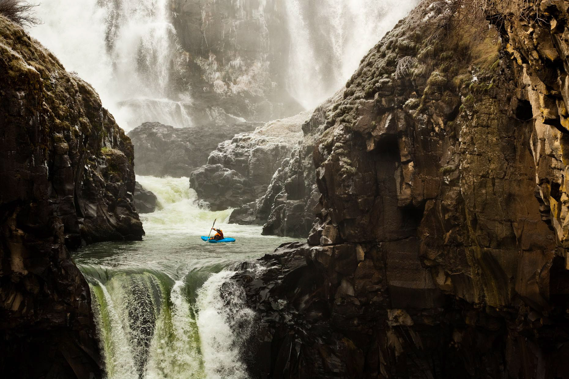 White Water Kayaking National Geographic Magazine | Outdoor Action Sports